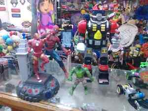 Spider Man, Iron Man, Hult King Kong, Rescuers, Green Lsntern et