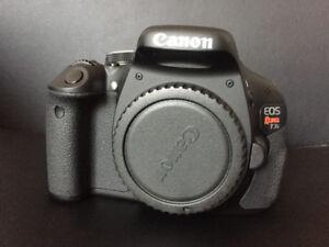 Canon EOS REBEL T3i (3 cameras + accessoires)