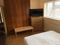 Stunning Large Double Room with TV available for Quick move / RAYNERS LANE / HARROW - £150 / WEEK