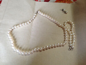 Freshwater silver pearl set