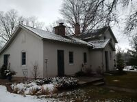 Charming Country Home/Property just outside Tillsonburg