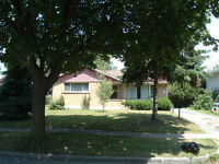 7 Bedroom Student House - 426 Tamarack Dr - Sept - $425+