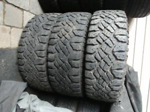 4 pneu hiver LT 275/65/R18 Goodyear wrangler duratrac 123/120Q a