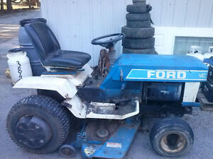 Ford LGT 17H for parts or take the whole thing for $250 Kingston Kingston Area image 1