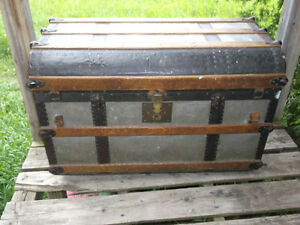 Chest Cornwall Ontario image 2