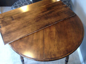 Reclaimed table with 3 leaves