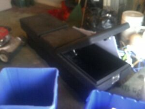 MINT TRUCK TOOL BOX $70 TAKES IT,,, CAN DELIVER!!