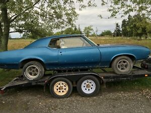 72 cutlass supreme  restore or parts