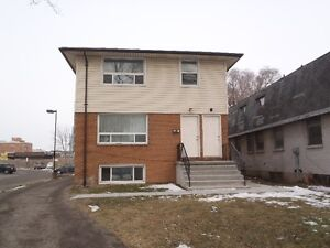Now Available! 2 Bedroom unit in 6 plex near downtown London