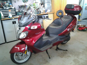 SUZUKI 650 EXECUTIVE BURGMAN  ****7300KMS****