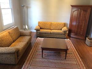 Deux sofas 2.5 places de tres bonne qualite West Island Greater Montréal image 1