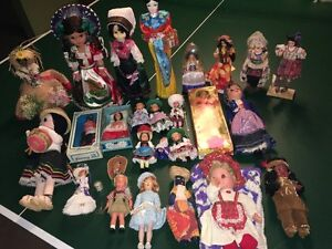 VINTAGE  COLLECTION OF DOLLS FROM AROUND THE WORLD