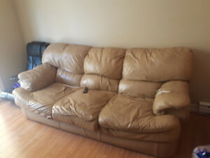 FREE Well Used Leather Couch *MUST PICK UP*