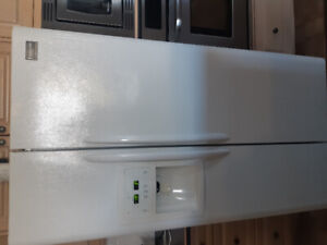 "Frigidaire Gallery 36"" Refrigerator WHITE Side by Side"