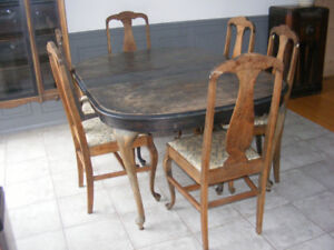 mobilier de salle à mangé antique vintage  table et buffet