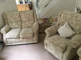 Beige sofa + 2 electric recliner chairs