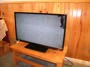 "Flat Screen 32"" TV Samsung"