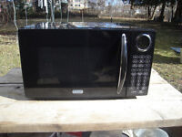 Excellent Condition Sunbeam Personal Microwave, One Touch