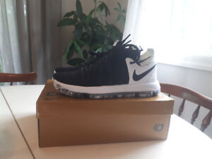 Brand New, Never Worn Size 11 Nike Zoom KD10 Basketball Shoes