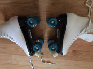 Woman's Size 7 Roller Skates