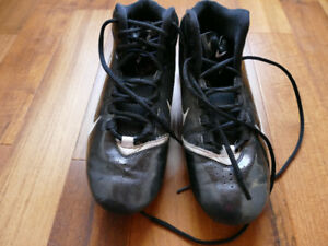Nike Alpha Shark Soccer, Football, or baseball cleats Mens sz 10