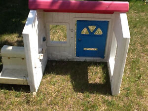 Kids small 1/2 playhouse needs new bolts Kingston Kingston Area image 2
