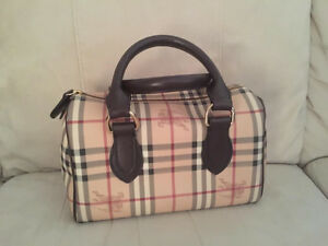 For Sale Original Burberry Classic Haymarket Check Satchel bag West Island Greater Montréal image 1