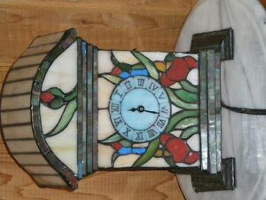 stained glass clock w/light
