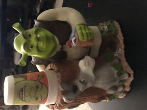 Shrek paper cup holder