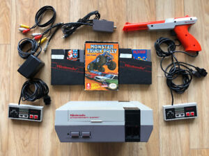 Nintendo Entertainment System NES with 3 Games and 2 Controllers