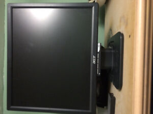 "17"" acer flat screen monitor"