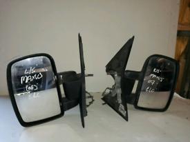 LDV Maxes Electric door mirrors
