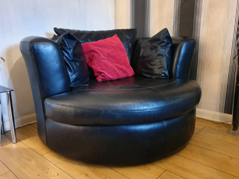 Remarkable Black Real Leather Round Dfs Swivel Chair In Basford Nottinghamshire Gumtree Uwap Interior Chair Design Uwaporg