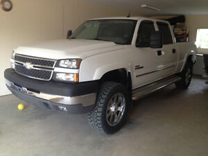 "2005 Chevrolet Silverado 2500 LT ""ONLY 98500 kms"""