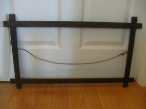 "GRANDMA'S CHARMING OLD ANTIQUE ""CROSS-OVER"" WOOD PARLOR FRAME"