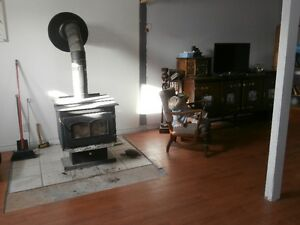 $1300 Heat & Hydro Included Peterborough Peterborough Area image 3
