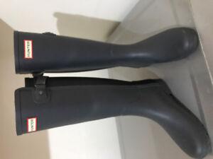 Bottes de pluie Hunter couleur bleu et noir