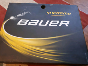 Like NEW Bauer size 5 men's or 8.5 womens