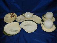 Carltonware 'Australian' design 2 cup tea set with extra plate [chip in1 cup]