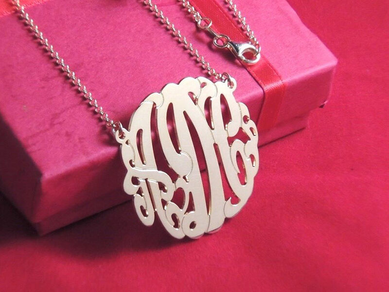 How to Create a Personalised Necklaces