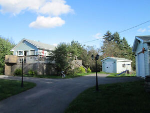 2 Bedroom With Garage On 6.82 Acres