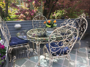 French Country Wrought Iron Outdoor/Indoor Dining Set