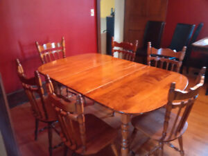 Dining Table And Hutch 400 OBO
