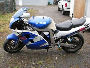 Pièces pour Suzuki GSXR1100 GSXR 1100 1993 - 1998 Parting Out
