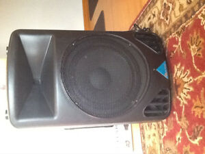 Alto PS4LA loudspeaker/amplifier, with Yorkville stand