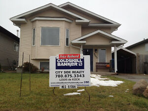 *PRICE REDUCED* AB 4 bed bi-level. Now $ 299,999.00
