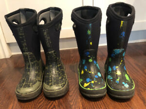 Kids Bogs winter boots!  Size 12