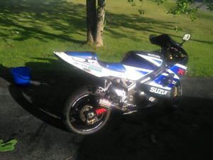 Mladin Specia addition 2004 gsxr 1000