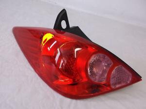 2007-2012 NISSAN VERSA HATCHBACK Rear lights / Feux arrières