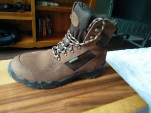 Mens Cabelas Hiking boots - Size 12